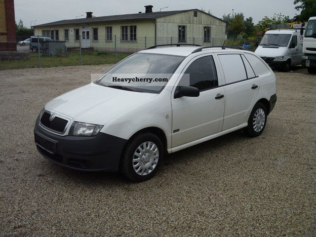 skoda fabia 1 4 tdi practice air servo euro 4 2006 box type delivery van photo and specs. Black Bedroom Furniture Sets. Home Design Ideas