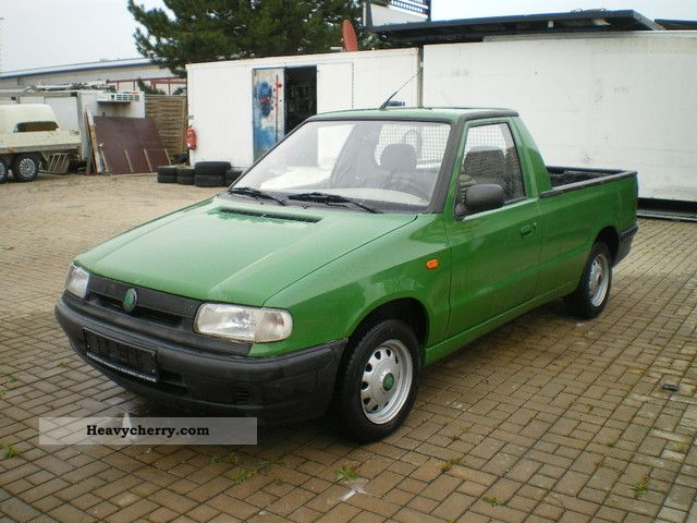 skoda 1 9 d pick up caddy 25a pickup 1999 stake body truck photo and specs. Black Bedroom Furniture Sets. Home Design Ideas