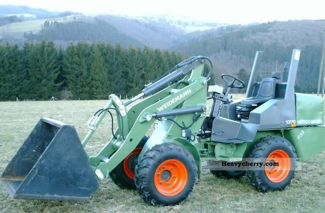 1999 Weidemann  Hoftrac P33 1370 Agricultural vehicle Farmyard tractor photo