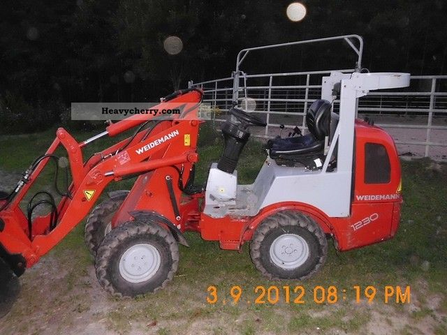 2006 Weidemann  1230 cx30 Agricultural vehicle Farmyard tractor photo
