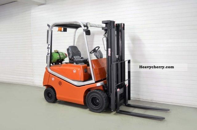 2005 BT  CBG 20, SS, TRIPLEX, 2894Bts ONLY! Forklift truck Front-mounted forklift truck photo