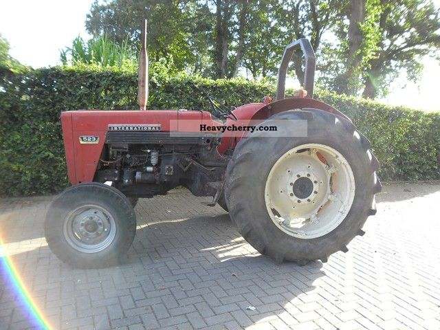 2012 McCormick  523 Agriomatic Agricultural vehicle Tractor photo