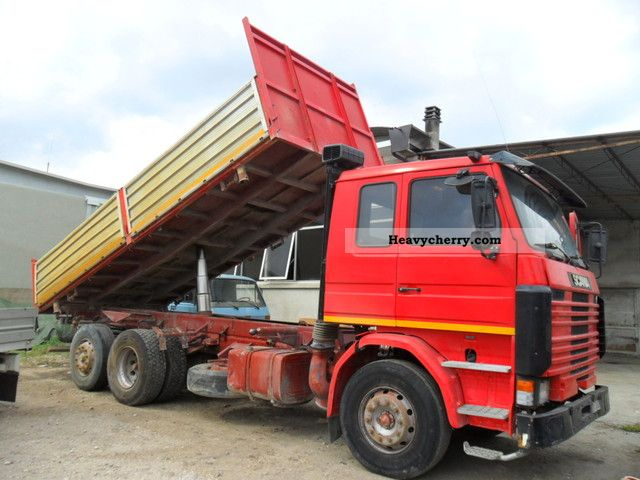 1982 Scania  SCANIA R 142 420 KING RIBALTABILE TRILATERALE Truck over 7.5t Tipper photo