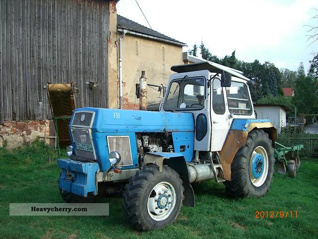 fortschritt zt 303 d 1981 agricultural tractor photo and specs. Black Bedroom Furniture Sets. Home Design Ideas