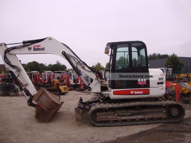 2009 Bobcat  444 Construction machine Caterpillar digger photo