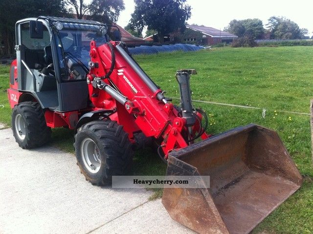 2009 Weidemann  2070 CX50 LPT loaders with telescopic arm! Agricultural vehicle Farmyard tractor photo