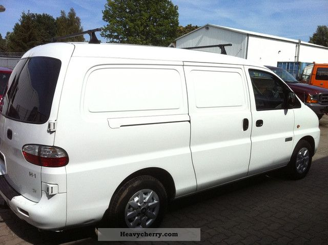 2007 Hyundai  H 1 ** Long ** 103 KW ** Van or truck up to 7.5t Box-type delivery van photo