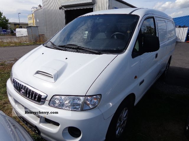 2007 Hyundai  H-1 2.5 CRDi * truck * ADMISSION Van or truck up to 7.5t Box-type delivery van photo