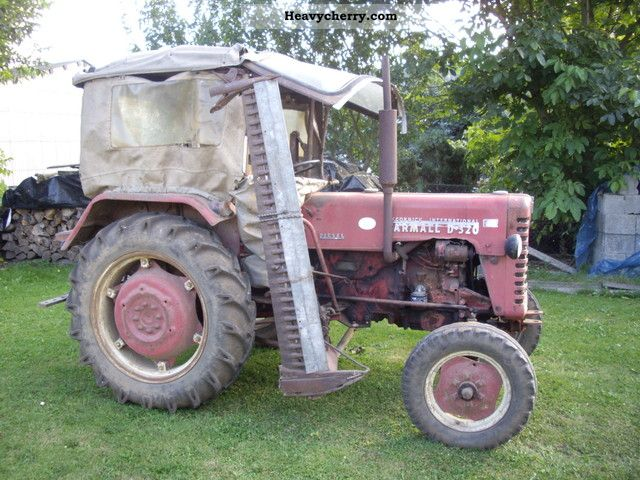 1959 McCormick  Farmall D 320 Agricultural vehicle Tractor photo