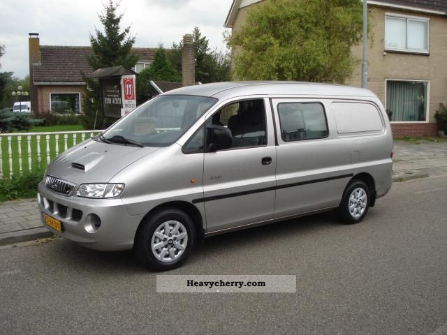 2005 Hyundai  H 200 2.5 TCI Luxe long DC Van or truck up to 7.5t Box-type delivery van photo