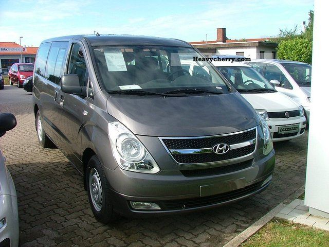 2012 Hyundai  H1 Travel Comfort Van or truck up to 7.5t Estate - minibus up to 9 seats photo