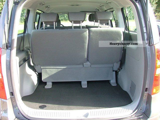 hyundai h1 travel comfort 2012 estate minibus up to 9 seats truck photo and specs. Black Bedroom Furniture Sets. Home Design Ideas