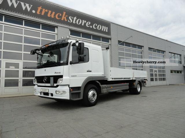 Mercedes benz 1524 l 1224 long cab truck mount 2012 for 2012 mercedes benz truck