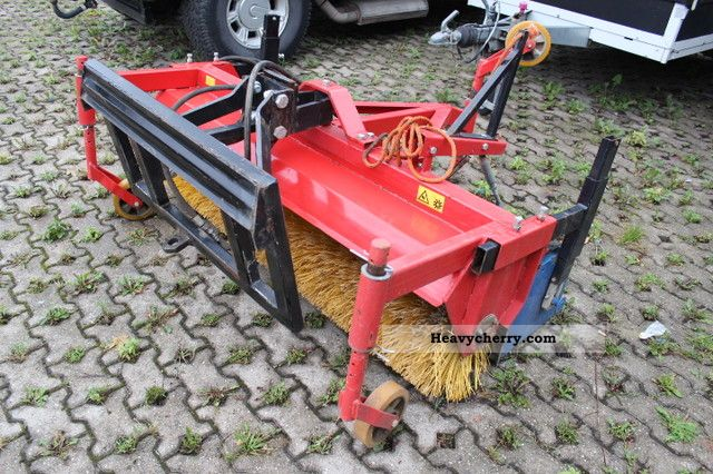 2012 Weidemann  Brush with drip pan Agricultural vehicle Other substructures photo