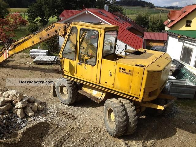 1985 Faun  FM1014 Construction machine Mobile digger photo