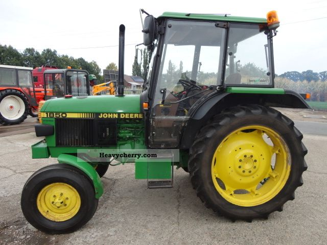 1991 John Deere 1850 Agricultural vehicle Tractor