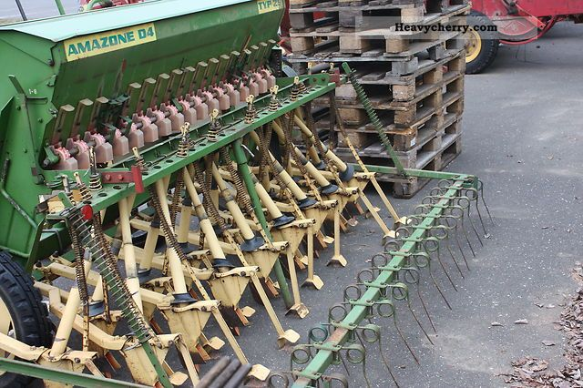 2012 Amazone  Semanatoare Agricultural vehicle Seeder photo