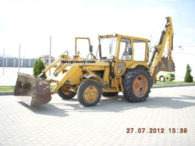 1990 Halla  HARA CAWAY Construction machine Mobile digger photo