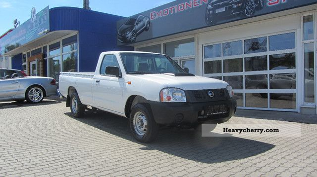 2012 Nissan  Pickup NP300 Single Cab 4x2 pack abs 2.5 DCI Van or truck up to 7.5t Other vans/trucks up to 7 photo
