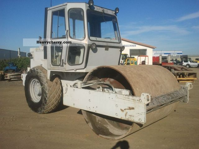 1991 Case  W1402 D Construction machine Rollers photo