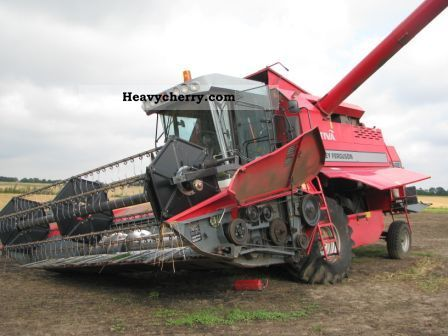 2005 Agco / Massey Ferguson  7242 Motor o.k INLUSIVE Poweflow cutting Agricultural vehicle Combine harvester photo
