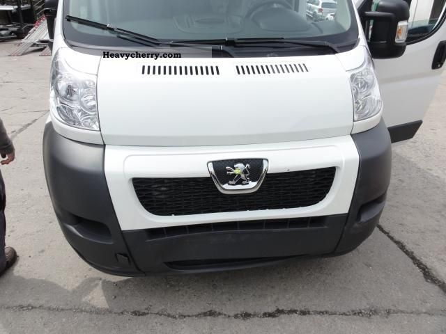 2012 Peugeot  Boxer MEGA CHOICE to ACTION PRICES!! 2, ... Van or truck up to 7.5t Box-type delivery van - high and long photo