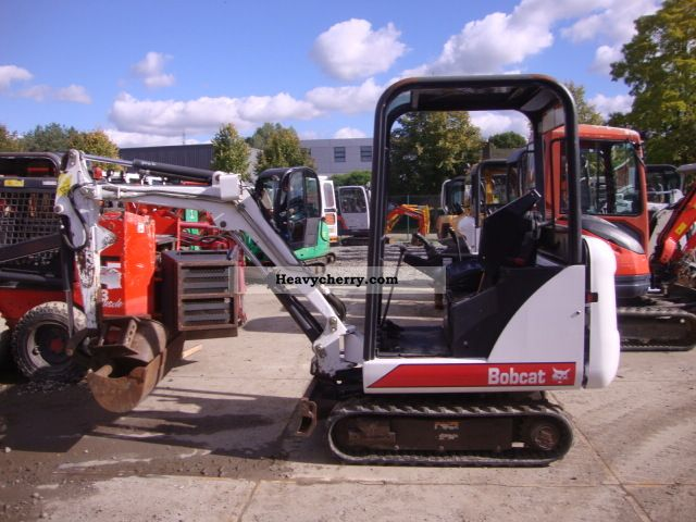 2004 Bobcat  322 Construction machine Mini/Kompact-digger photo