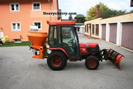 1998 Kubota  B2400 HD 80499 Agricultural vehicle Plough photo
