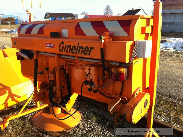 1992 Unimog  Gmeiner rear spreader STA90HA Unimog Agricultural vehicle Other substructures photo
