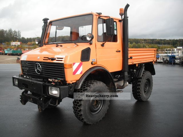 1988 Unimog  U 1000 Perfect Condition Van or truck up to 7.5t Stake body photo