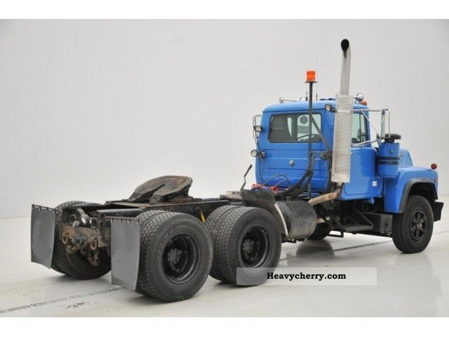 Mack R690 St 6x4 On Camelback 1989 Standard Tractor Trailer Unit Photo And Specs