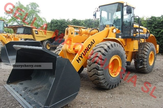 2012 Hyundai  770-7A Construction machine Wheeled loader photo