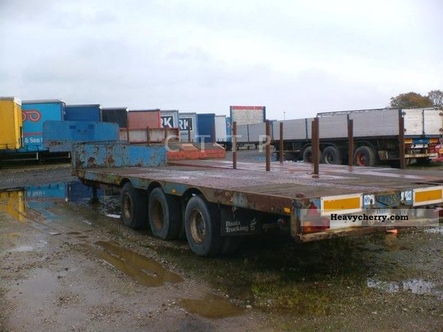1981 Broshuis  3 axle extendable blade / Steelsuspension Semi-trailer Low loader photo