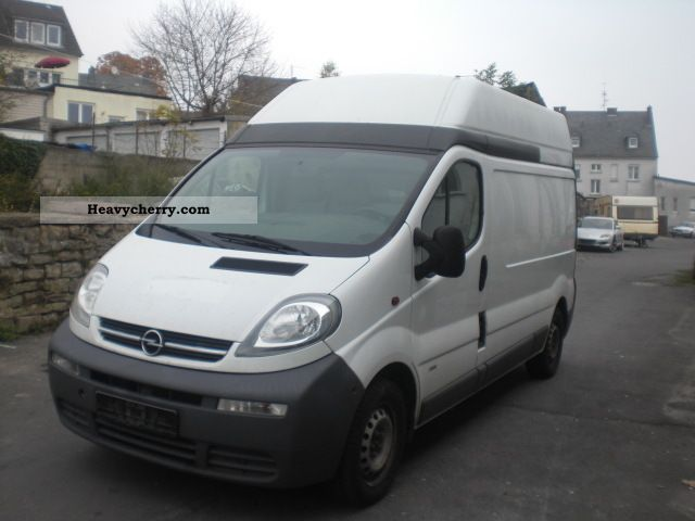 2005 Opel  Vivaro High Cross 1.9 TDCI Van or truck up to 7.5t Box-type delivery van - high and long photo