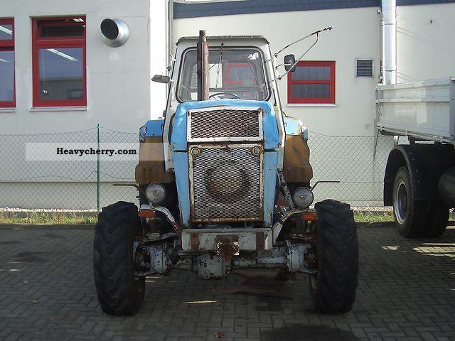 1981 Fortschritt  ZT 303 Agricultural vehicle Tractor photo