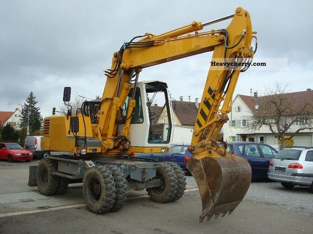 1999 Liebherr  312 Construction machine Mobile digger photo
