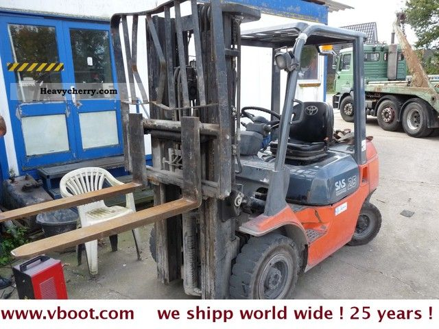 2004 Toyota  25 SAS Diesel1500 hours! Fixed price! Forklift truck Front-mounted forklift truck photo