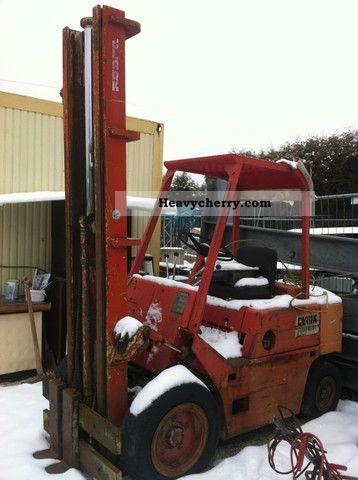 1989 Clark  Lift C500 Y50D DIESEL DEUTZ Forklift truck Front-mounted forklift truck photo