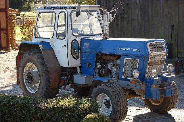 2012 Fortschritt  ZT 300-C Agricultural vehicle Tractor photo