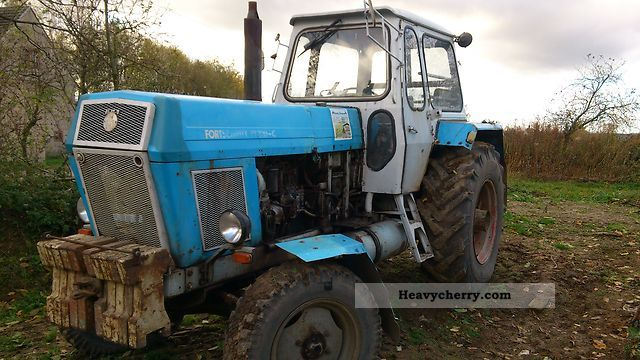 1979 Fortschritt  nt 300c Agricultural vehicle Tractor photo