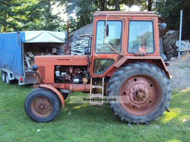 1980 Fortschritt  Belarus, MTS570/MTS80 Agricultural vehicle Tractor photo