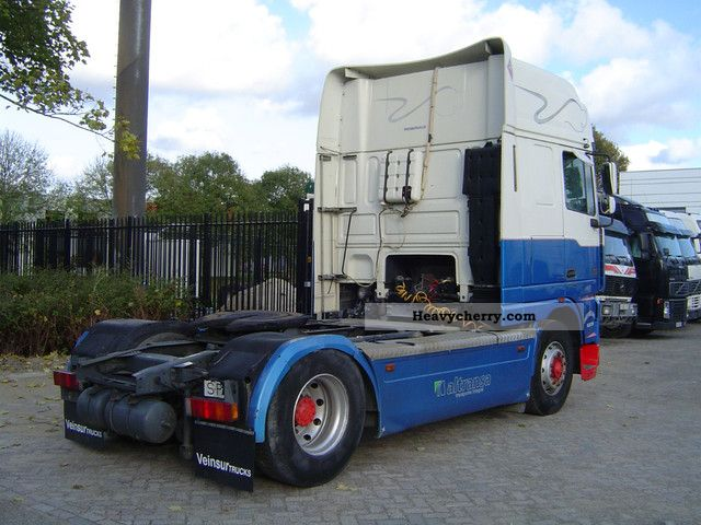 Daf 95xf530 Super Spacecab Manual Retarder 2002 Standard Tractor Trailer Unit Photo And Specs