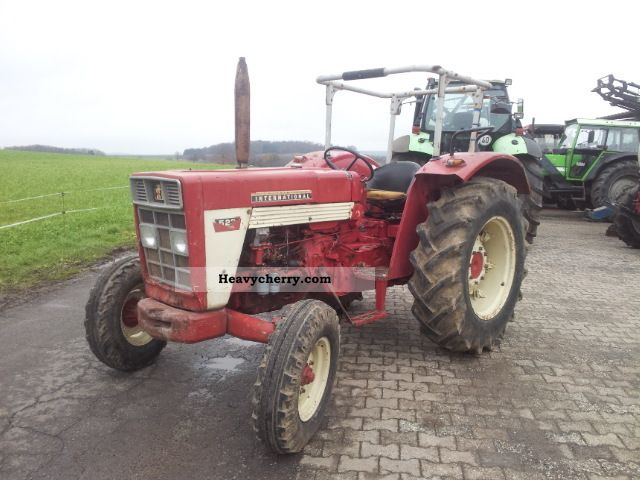 1970 Case  523 Agricultural vehicle Tractor photo