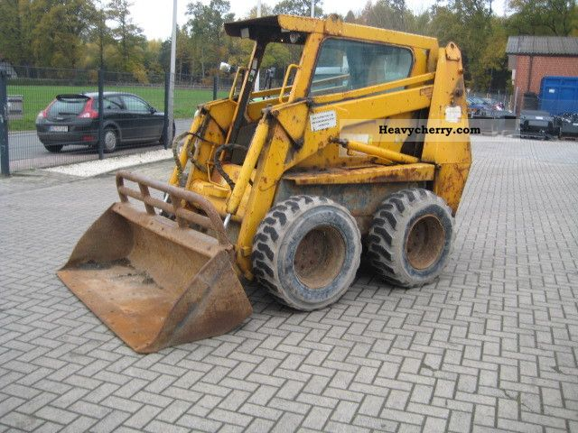 2000 Case  1845 ready to use Construction machine Wheeled loader photo