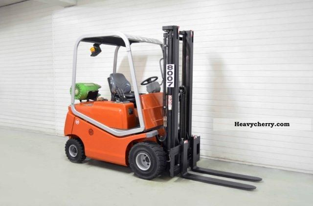 2003 BT  CBG 18, SS, LIFT Forklift truck Front-mounted forklift truck photo