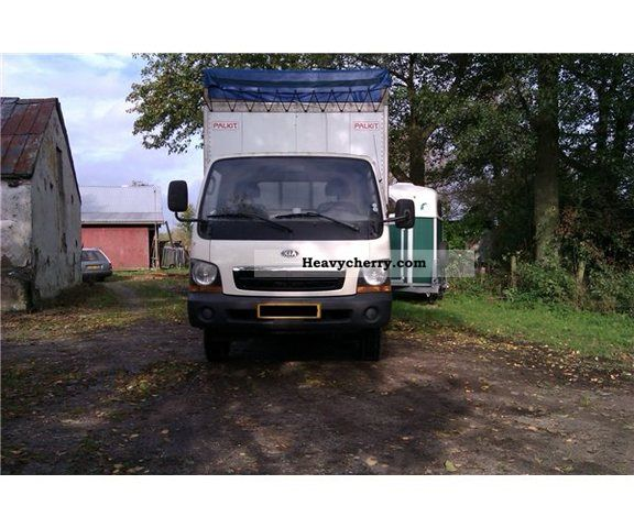 2002 Kia  2700 Van or truck up to 7.5t Cattle truck photo