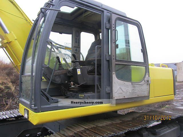 1994 Furukawa  735LS Construction machine Caterpillar digger photo
