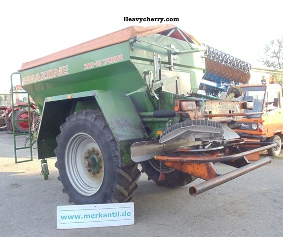 2003 Amazone  Civil Code 7001 Agricultural vehicle Fertilizer spreader photo