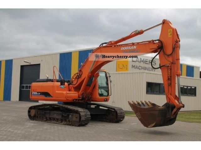 2006 Doosan  Daewoo 255 LCV Construction machine Caterpillar digger photo