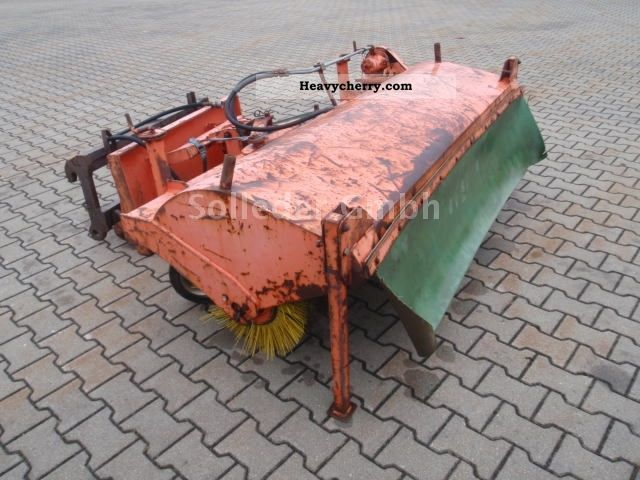 2012 Atlas  Broom Construction machine Other substructures photo